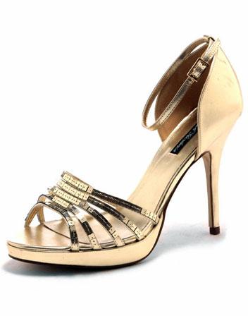 http://www.tenuedunsoir.com/img/photos/accessoires/plateformes-sequins-dores/plateformes-sequins-dores-1.jpg