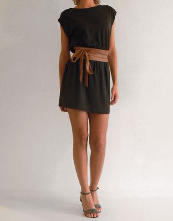 Robe noire ceinture taille