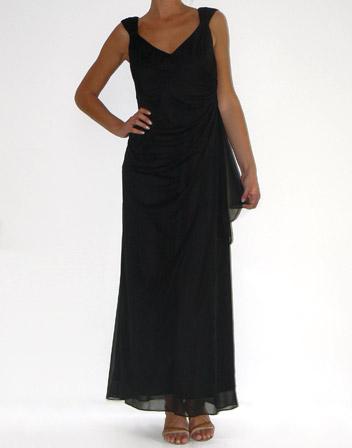 location robe longue de soiree noire avec larges bretelles taille 42. Black Bedroom Furniture Sets. Home Design Ideas