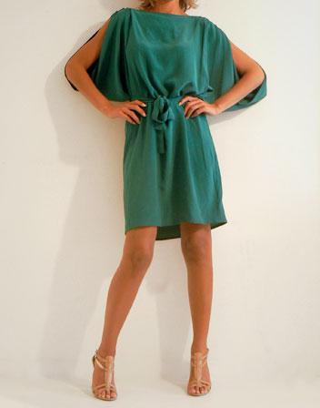 Quelle couleur de vernis avec une robe kaki